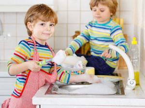 洗剤を食べているイギリス人!?