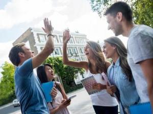 【アメリカ留学体験記】日本の高校からアメリカの大学に進学&休学留学&ハワイ大学留学など、リアルな留学の声をご紹介!