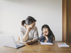 親子で参加!作って学ぶワークショップ型のオンライン英会話レッスン『Sukids(スキッズ)』の体験レッスンスタート!