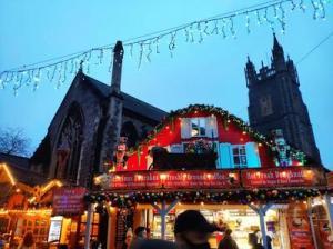 """イギリスのカーディフから最新レポート 今年のクリスマスの様子は? """"ロンドンの様子""""のおまけつき"""
