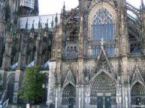 工事開始から600年を超える歳月をかけて建造されたケルン大聖堂