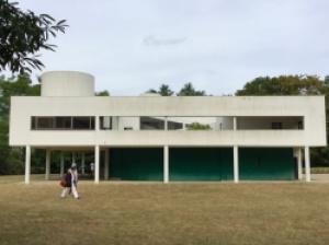 パリから半日圏内! ル・コルビュジェの代表的建築物「サヴォア邸」