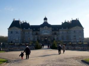 年末に訪れたい、クリスマス仕様になった「ヴォー・ル・ヴィコント城」