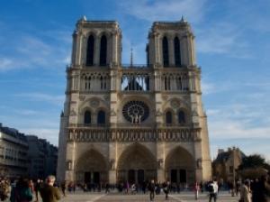 クリスマスにパリにいるなら「ノートルダム大聖堂」のミサへ行ってみよう