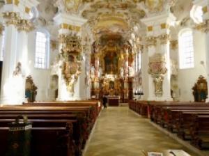 ヨーロッパ随一のロココ装飾がスゴイ!ドイツ「ヴィースの巡礼教会」