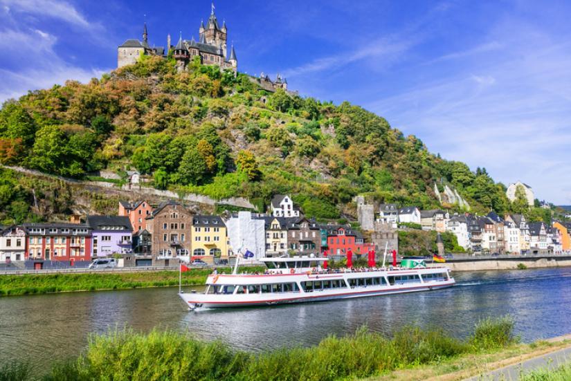 ライン川(ドイツとフランスの国境沿い)